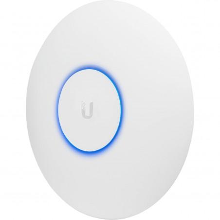 Компактная точка Ubiquiti UniFi AP AC Pro для дома и офиса стандарта 802.11a/b/g/n/ac. Работает одновременно в диапазонах 2.4 и